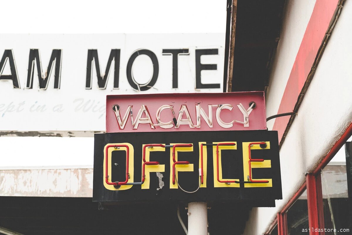 Image of Vacancy-Office-Neon-Sign